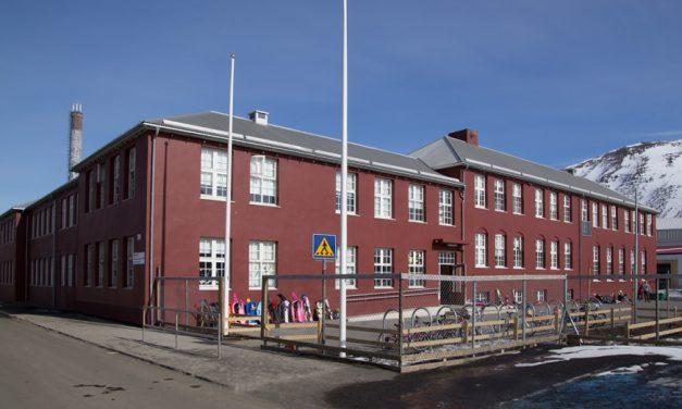 Uppsögn aðstoðarskólastjóra Grunnskóla Fjallabyggðar