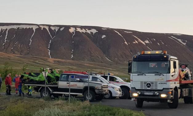 Flugvél brotlenti á milli Eyjafjarðar og Skjálfandaflóa