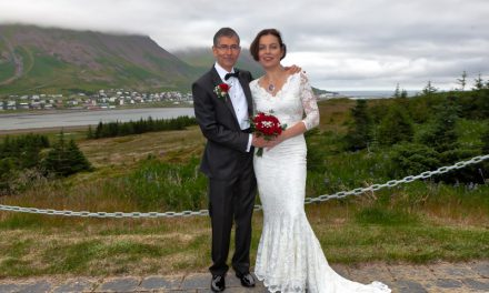 Komu til Siglufjarðar til að gifta sig