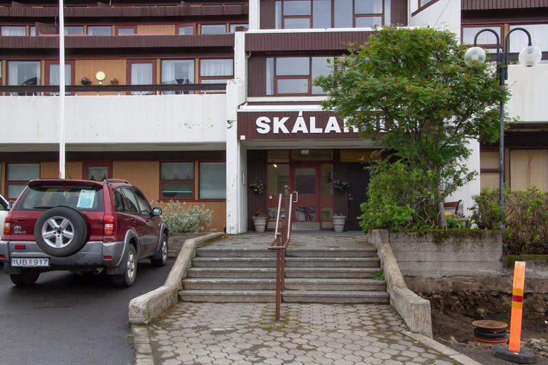 Bílastæði við Skálahlíð
