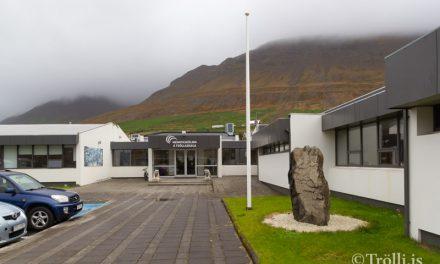 Hleðslustöð við Menntaskólann á Tröllaskaga