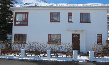 Íbúðalánasjóður með hús til sölu á Siglufirði