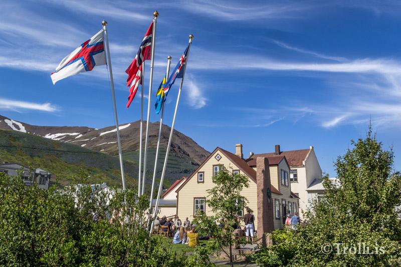 Þjóðlagahátíð frestað