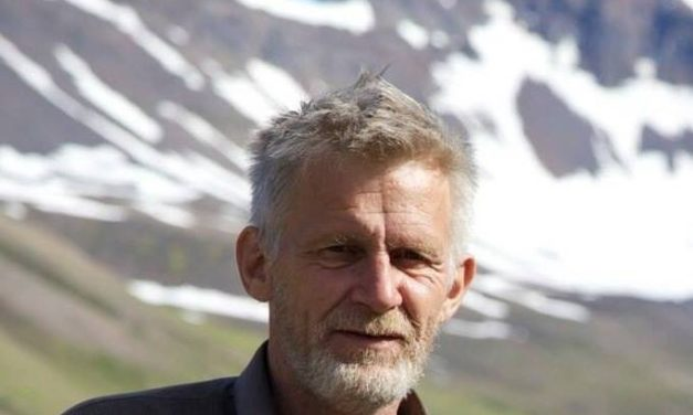 """""""Það er frost í Helvíti"""" eftir Jón Steinar"""