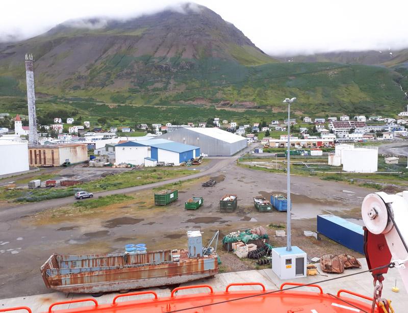 """""""Við þjónum með gleði …"""""""