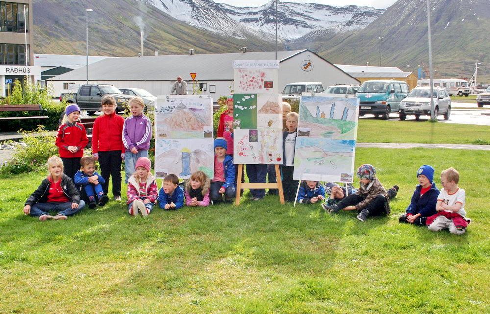 Sýning 1. og 2. bekkja Grunnskóla Fjallabyggðar – Gamla fréttin
