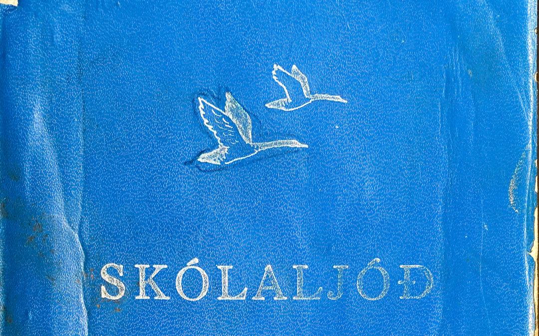 Nostalgía: Angistar eða gleðigjafa ljóða-BÓK?