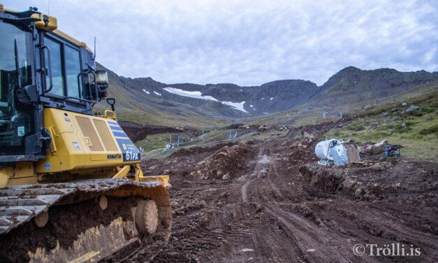 Skarðsvegur hækkaður um 5 metra