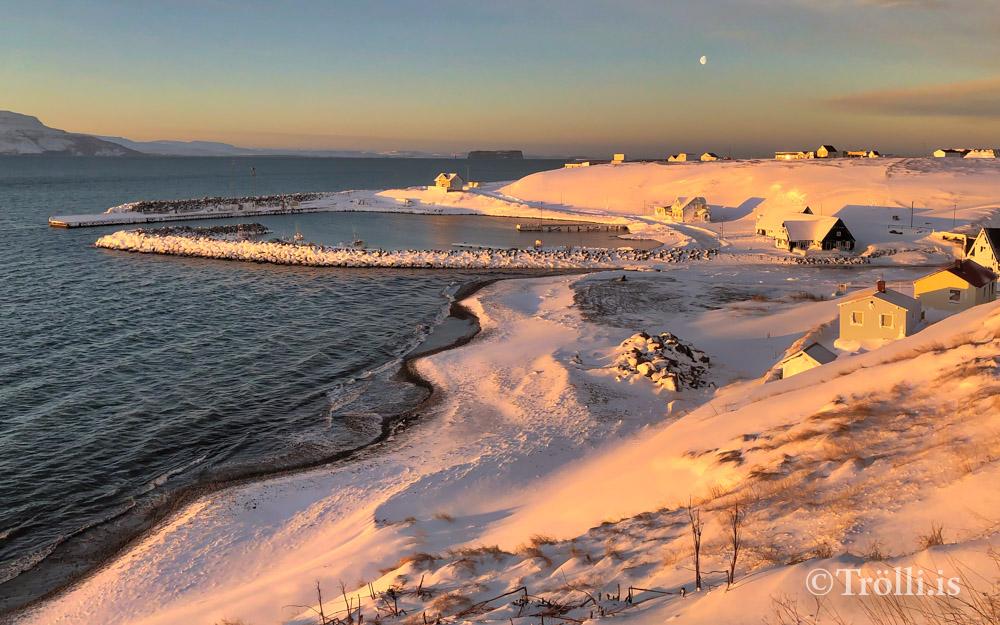 Hafnarsvæðinu á Hofsósi lokað vegna snjóflóðahættu