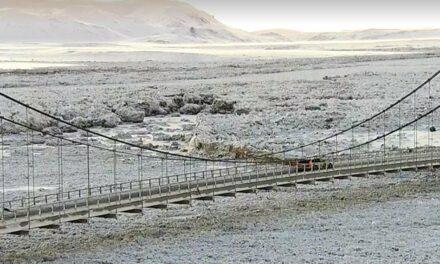 Hringvegur lokaður við Jökulsá á Fjöllum
