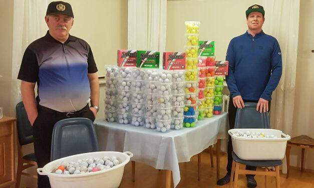 Frændurnir söfnuðu 3000 golfkúlum á Sigló Golf