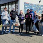 Nemendur MTR tína upp rusl vítt og breitt um Ólafsfjörð