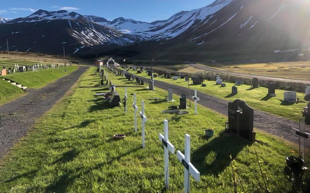 Lagfæringar á nýja kirkjugarðinum á Siglufirði