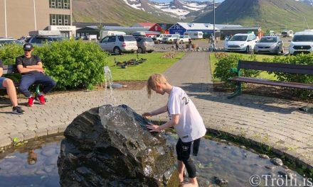 Hlýindakaflanum fyrir norðan fer senn að ljúka