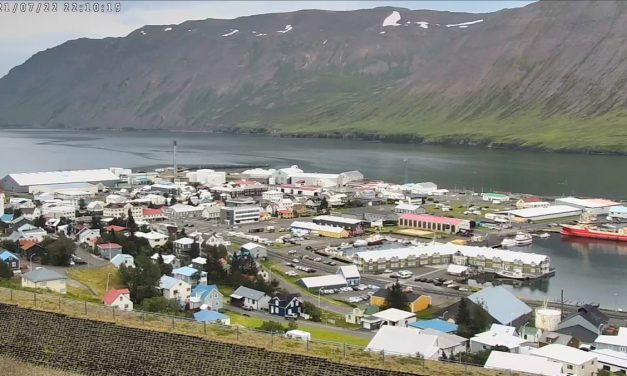 Vefmyndavélin á Siglufirði komin í lag