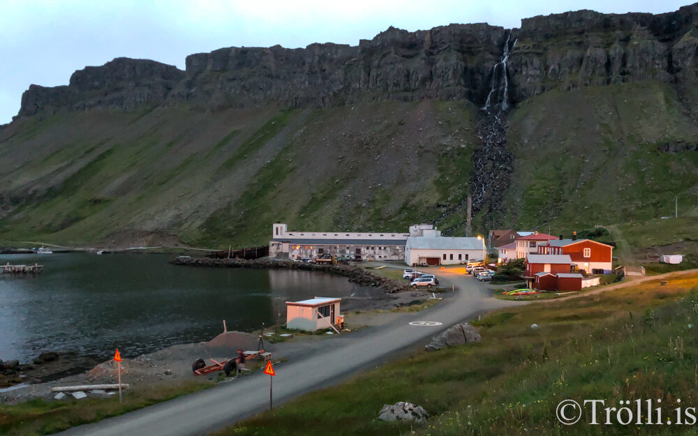Tíu Dropar í beinni frá Djúpavík í dag